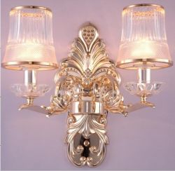 Zinc alloy wall light